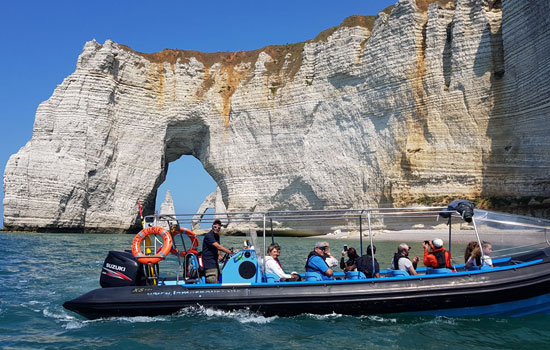 Speed Boat to Etretat
